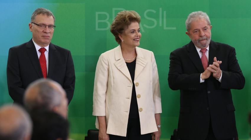 TRF4 marcou julgamento durante férias do STF para fazer 'chicana' com Lula, diz Aragão https://t.co/NIhOrdqXcX