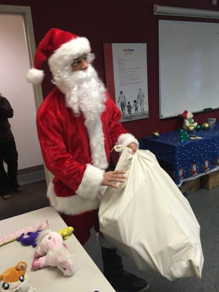 test Twitter Media - A big thank you to our OHU Auxiliary Board for hosting another fun holiday party for our Kenwood and Joliet youth in care! We'd also like to thank all of the Foster Care staff at Kenwood and Joliet that were able to come and help out! https://t.co/sOnt7LEzTH