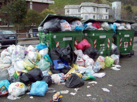 Emergenza rifiuti già realtà, a Castelvetrano discarica chiusa e 600 tonnellate spazzatura rimangono in strada - https://t.co/c39durLPUh #blogsicilianotizie