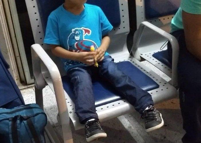 Criança de 3 anos é resgatada a 7 metros de altura ao ficar presa em corrimão de escada rolante em aeroporto em Mato Grosso https://t.co/QwWQX4eCqp #G1