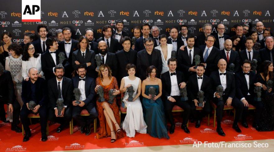 Con 13 y 12 nominaciones respectivamente, #Handia y #LaLibreria se perfilan como favoritas a los #PremiosGoya https://t.co/4NJxzsNIfq