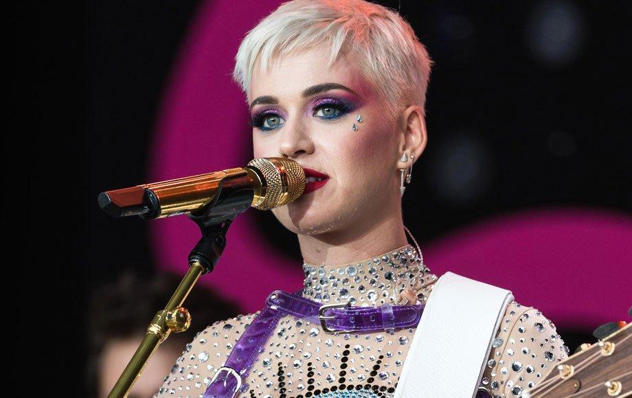 Ingressos para shows da Katy Perry chegam a R$ 580 (ou mais de R$ 1000 se você for VIP) https://t.co/cEFbuvTeSf