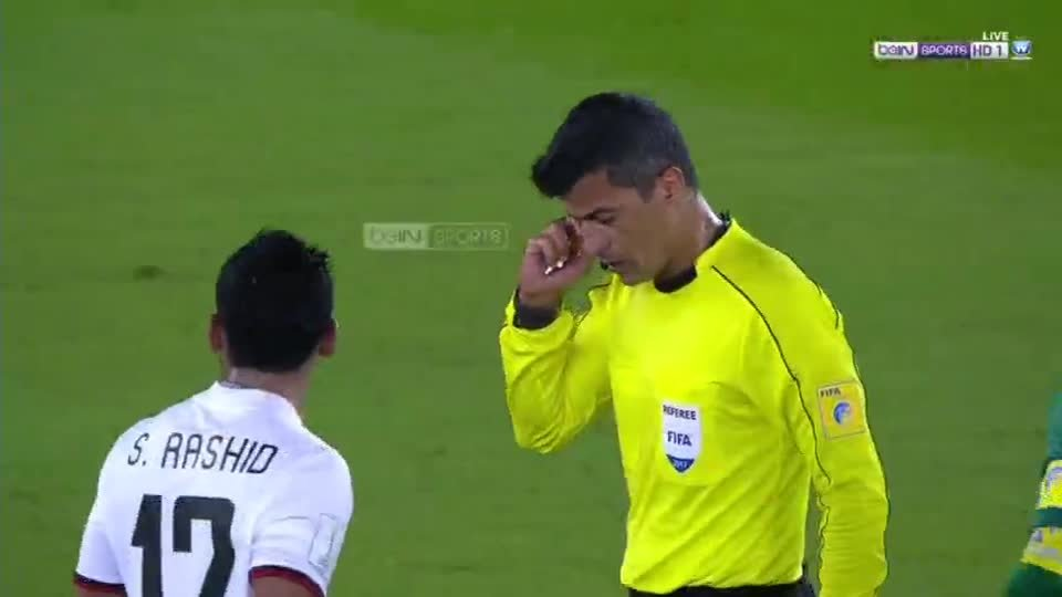حكم اللقاء يلغى هدف لريال مدريد بعد اللجوء للفيديو