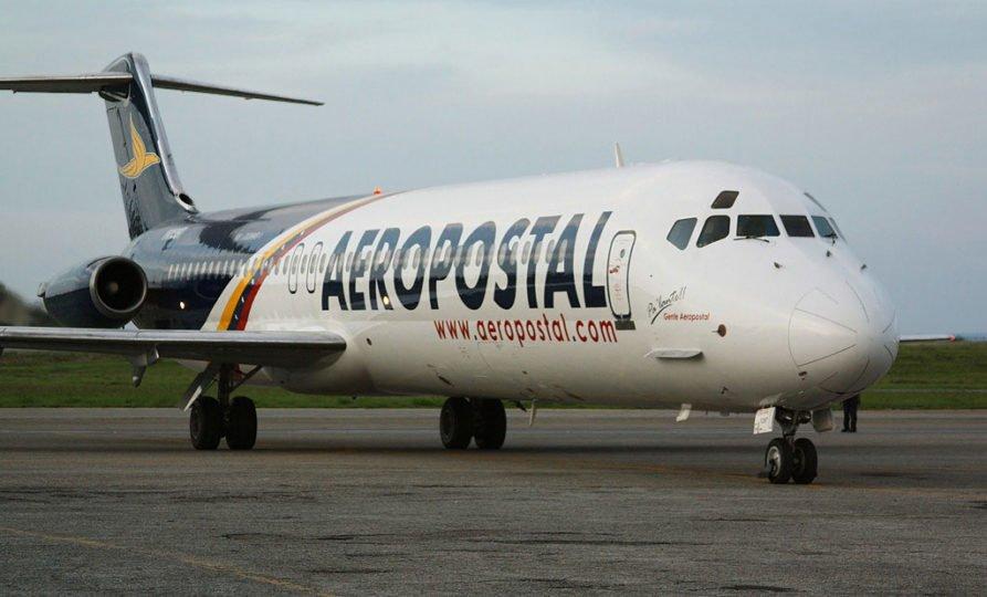 Crisis en Aeropostal: trabajador difundió carta abierta a sus compañeros de trabajo https://t.co/mLBLjsl1u3  https://t.co/7L1gDSccus
