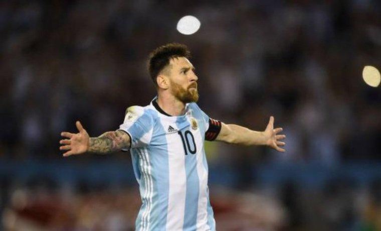 Messi sobre ganar el Mundial: ¡Ojalá el fútbol me pague su deuda! / Vía @CaraotaDeportes https://t.co/bbrVxN1Ubc  https://t.co/QgUCKveLyQ