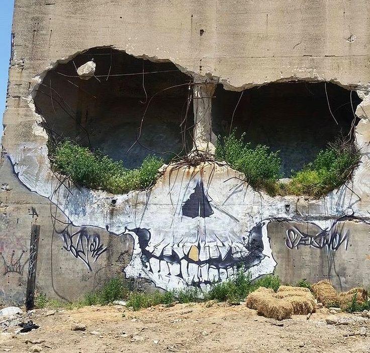 Creative Street Art by Suits  #art #artist #artwork #streetartist #streetart #graffiti #muralart #artistsnartlovers #LoveTwitter  <br>http://pic.twitter.com/gGfc2Jqr9T