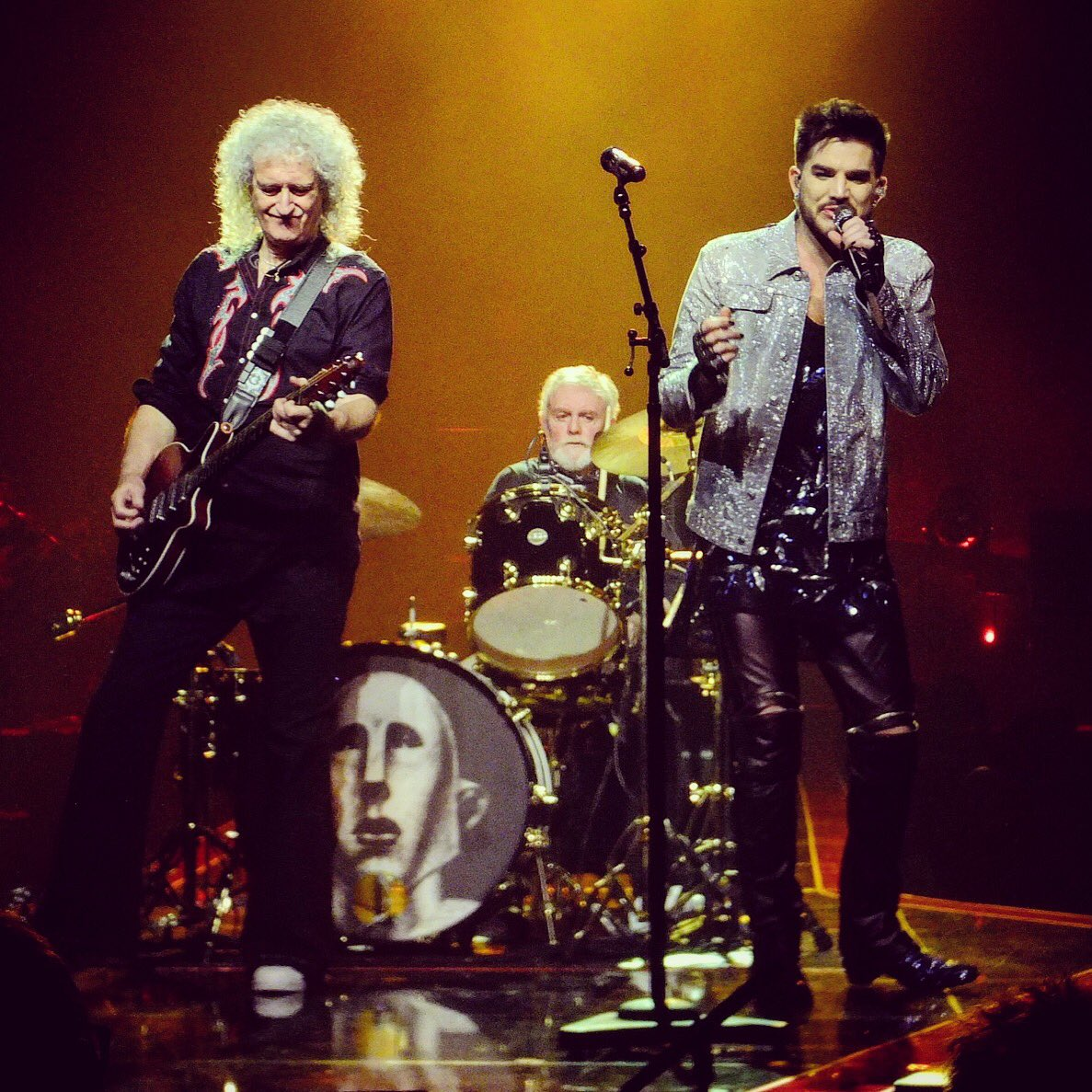 Queen + Adam Lambert just put on one of the best shows I've ever seen and I am shook @QueenWillRock @adamlambert #Queen #QueenAndAdamLambert <br>http://pic.twitter.com/p8ui3vStC3