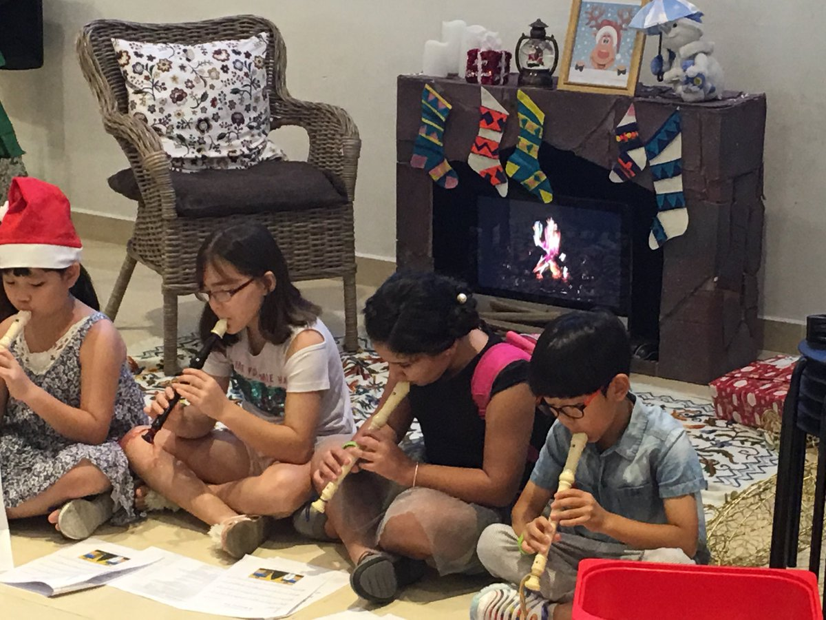 Christmas tunes from  our primary recorder players. #gislearning. <br>http://pic.twitter.com/Skuin1rgEn