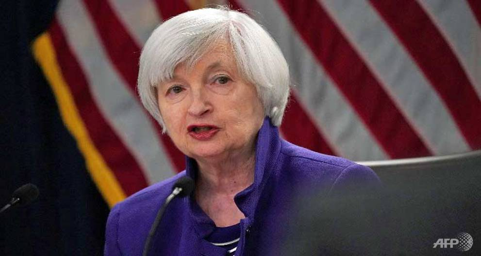 Fed's Yellen says no risks to stability...