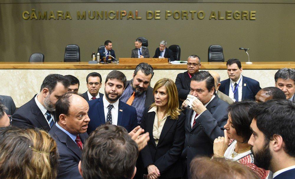Liminar barra tramitação de novo projeto da prefeitura sobre cobrança do IPTU em Porto Alegre https://t.co/JdwcDhzdJO