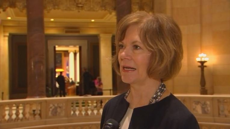 Minnesota Lt. Gov. Tina Smith to replace Franken in Senate https://t.co/l2XgIiPWQU