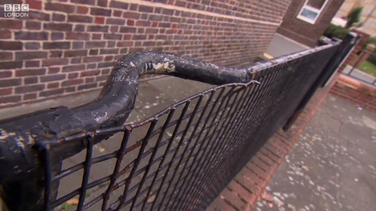 Hospital Stretchers From World War II Battlefields Recycled and Used as Yard Railings Around London https://t.co/tvp25eRZsD