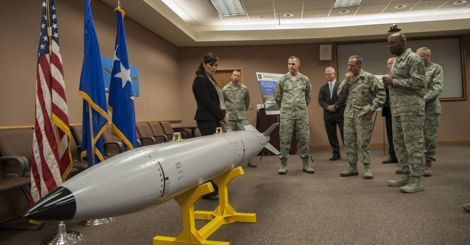 Arma que funciona como micro-ondas | Como são os mísseis que os EUA podem usar contra a Coreia do Norte https://t.co/ijHMcI2xBZ