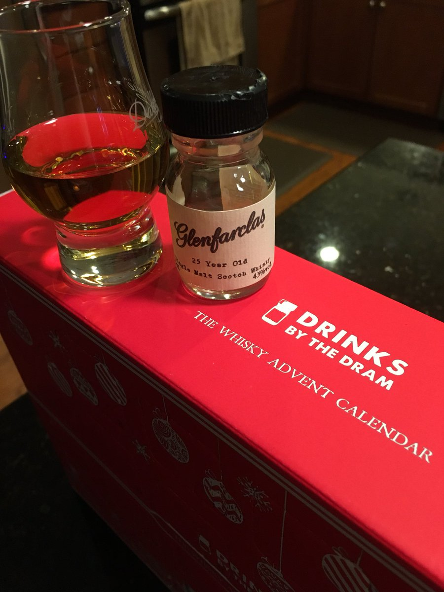 Advent calendar time is here! Day 1: 25 yo Glenfarclas! What a warm, tasty start to the holiday season. Sláinte!