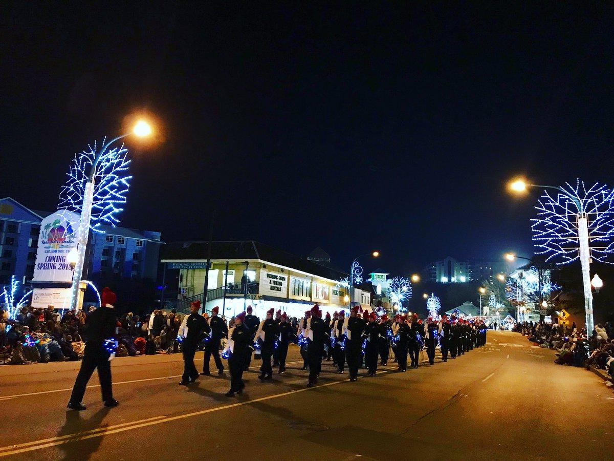 Gatlinburg Christmas Parade.Gatlinburg Tn On Twitter The 42nd Annual Fantasy Of