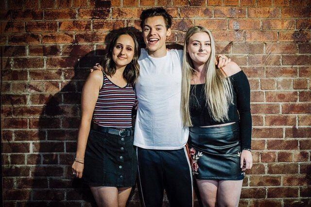 Harry styles ph on twitter harry with fans during the meet and harry with fans during the meet and greet in sydney australia november 26 2017picitterub7xrswipg m4hsunfo