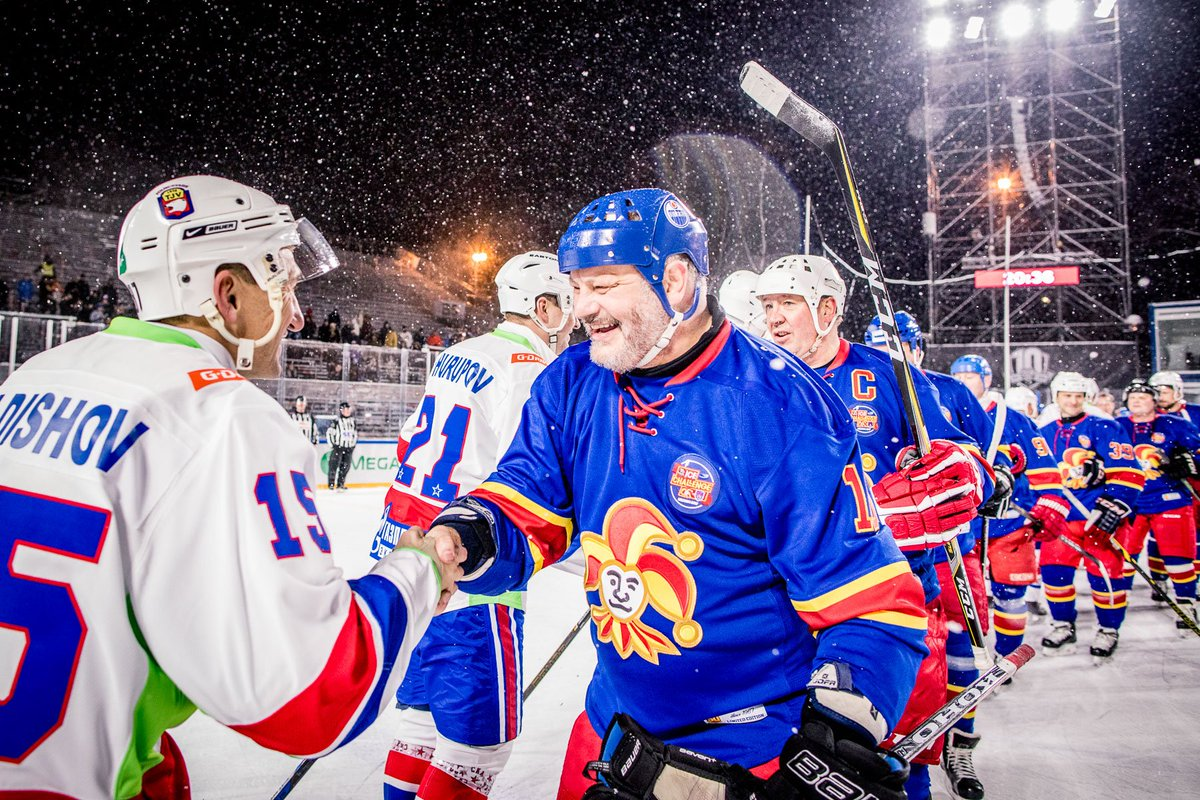 f55844b74 ... including 5-time Stanley Cup champions Jari Kurri and Esa Tikkanen.  Photos: http://www.jokerit.com/legendat-vireessa-kaisaniemen-jaalla …