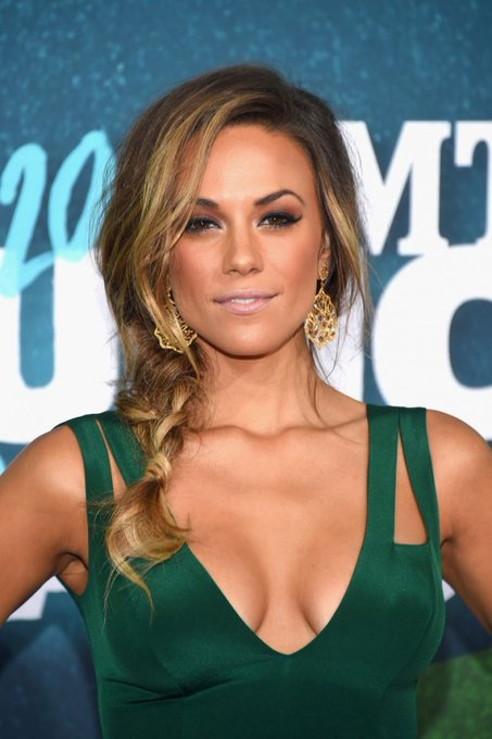 Happy Birthday to Jana Kramer who turns 34 today!