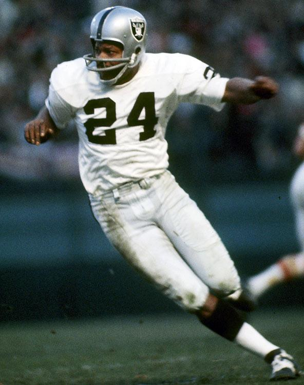 Happy BDay to lifetime member and Hall of Famer Willie Brown!
