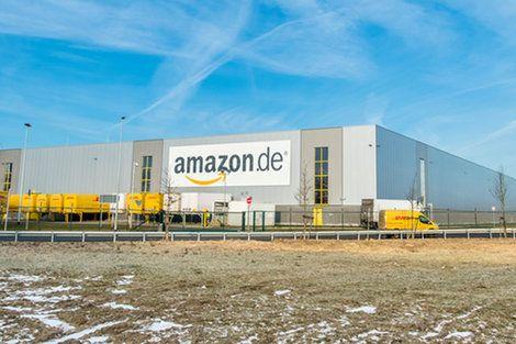 アマゾン配送センターでは週55時間勤務も救急車搬送も当たり前  ――潜入取材で明らかになったのは……  https://t.co/4S0cz7cv9I … #Amazon #ネット通販 #過労