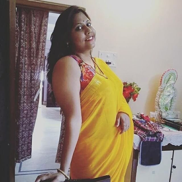 Sexy house wife in saree