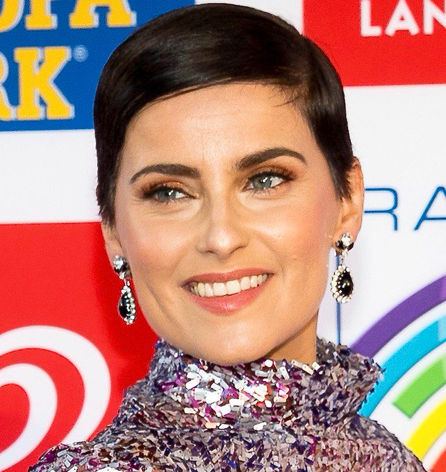 "HAPPY BIRTHDAY... NELLY FURTADO! ""I\M LIKE A BIRD\""."