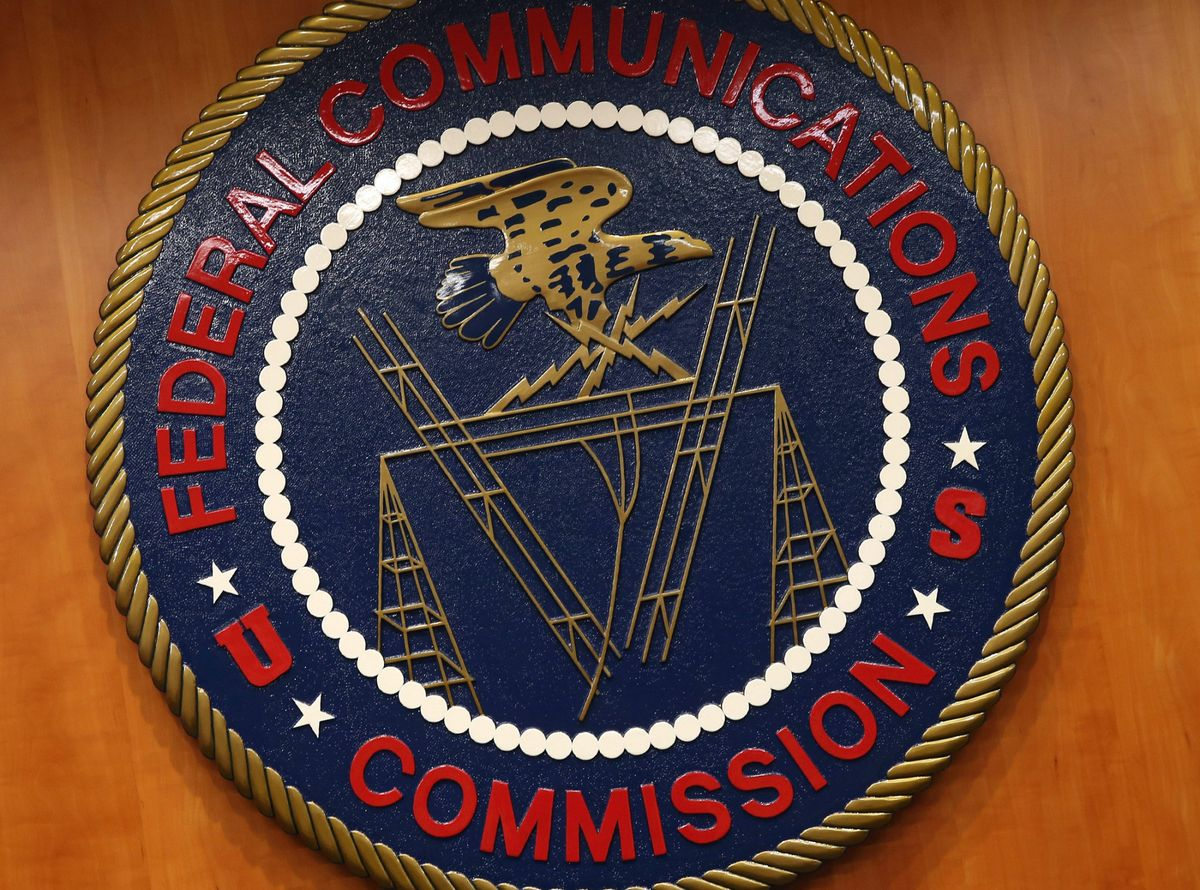 The FCC got 444,938 comments on net neutrality from Russian email addresses https://t.co/8EKaRcleEH