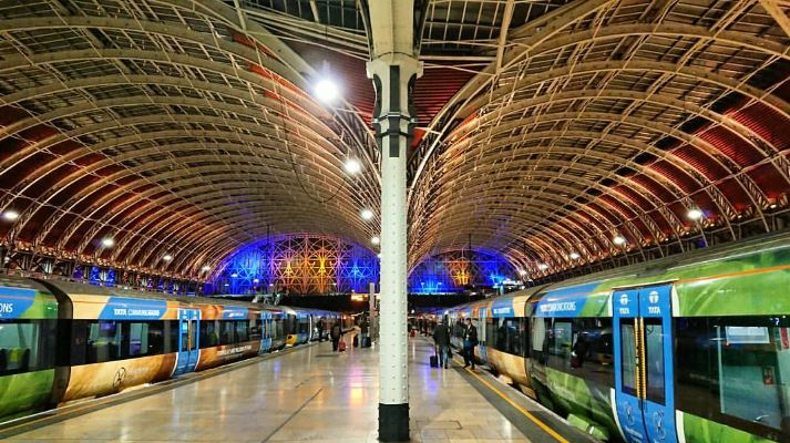 London Paddington! 🚂 Which is your favourite train station in the capital?  {Photo: robsmed on IG]