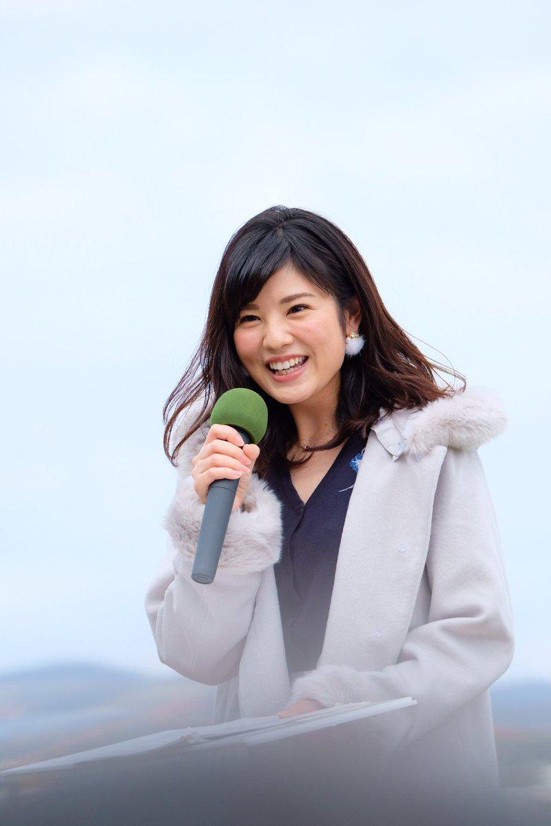 曽田麻衣子フード付きコートが似合って可愛い姿