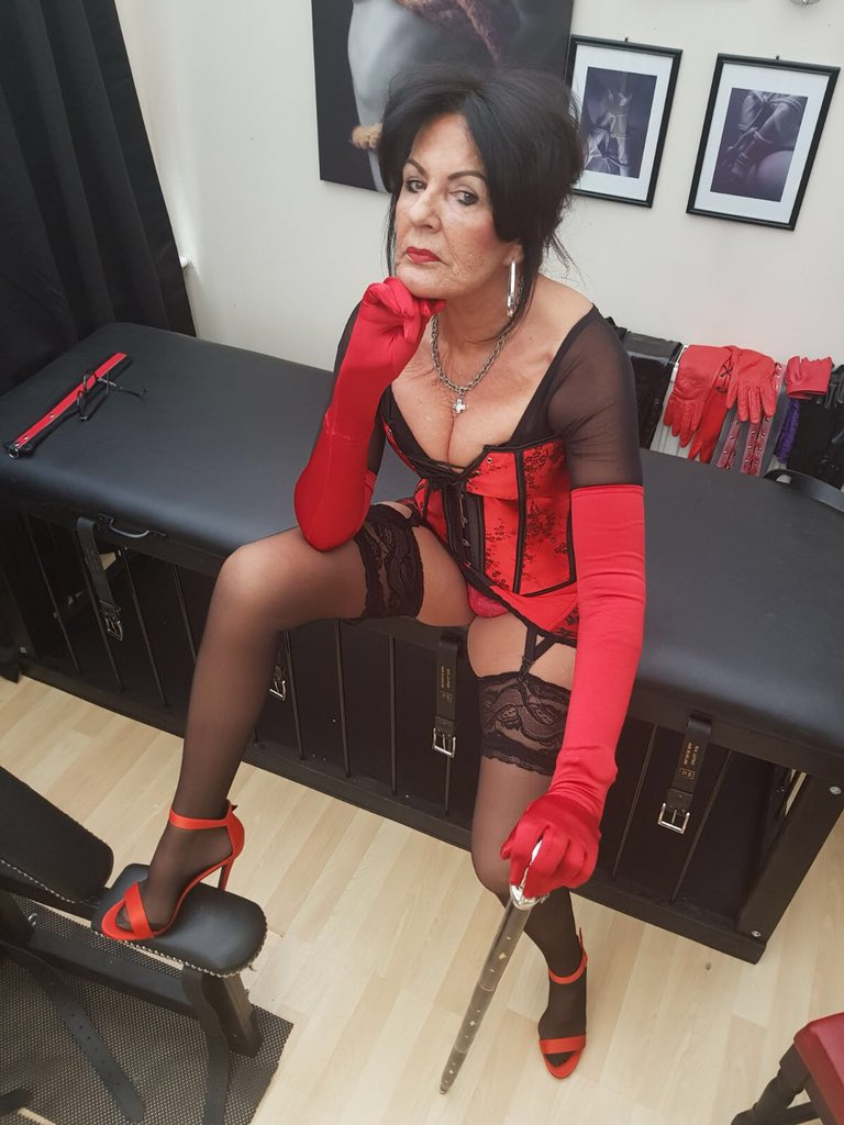Lady sonia the uk milf bound to table and used till orgasm - 1 part 5