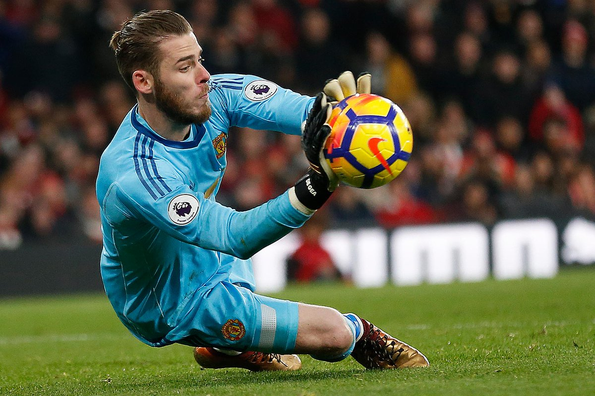 👐 @D_DeGea made 14 saves against Arsenal, the joint-most by a goalkeeper in a single #PL match alongside Tim Krul & Vito Mannone   #ARSMUN@ManUtd