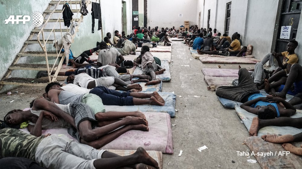 #UPDATE  US withdraws from UN pact to improve the handling of migrant and refugee situations, deeming it  'inconsistent ' with its policiehttps://t.co/k06mCeyzBZs