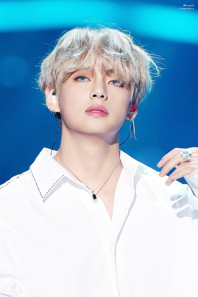 Male Aphrodite Kim Taehyung accused of stealing too many