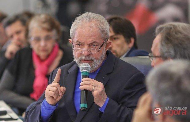 Um dia após pesquisa que mostra crescimento de Lula, O Globo divulga que julgamento do ex-presidente em segunda instância será entre março e abril https://t.co/sKQw4lbUrX