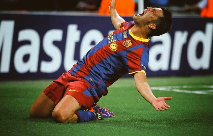 "\""Saya lebih suka memilih David Villa berbanding Kaka & Cristiano.\"" - Vicente Del Bosque.  Happy Birthday David Villa"