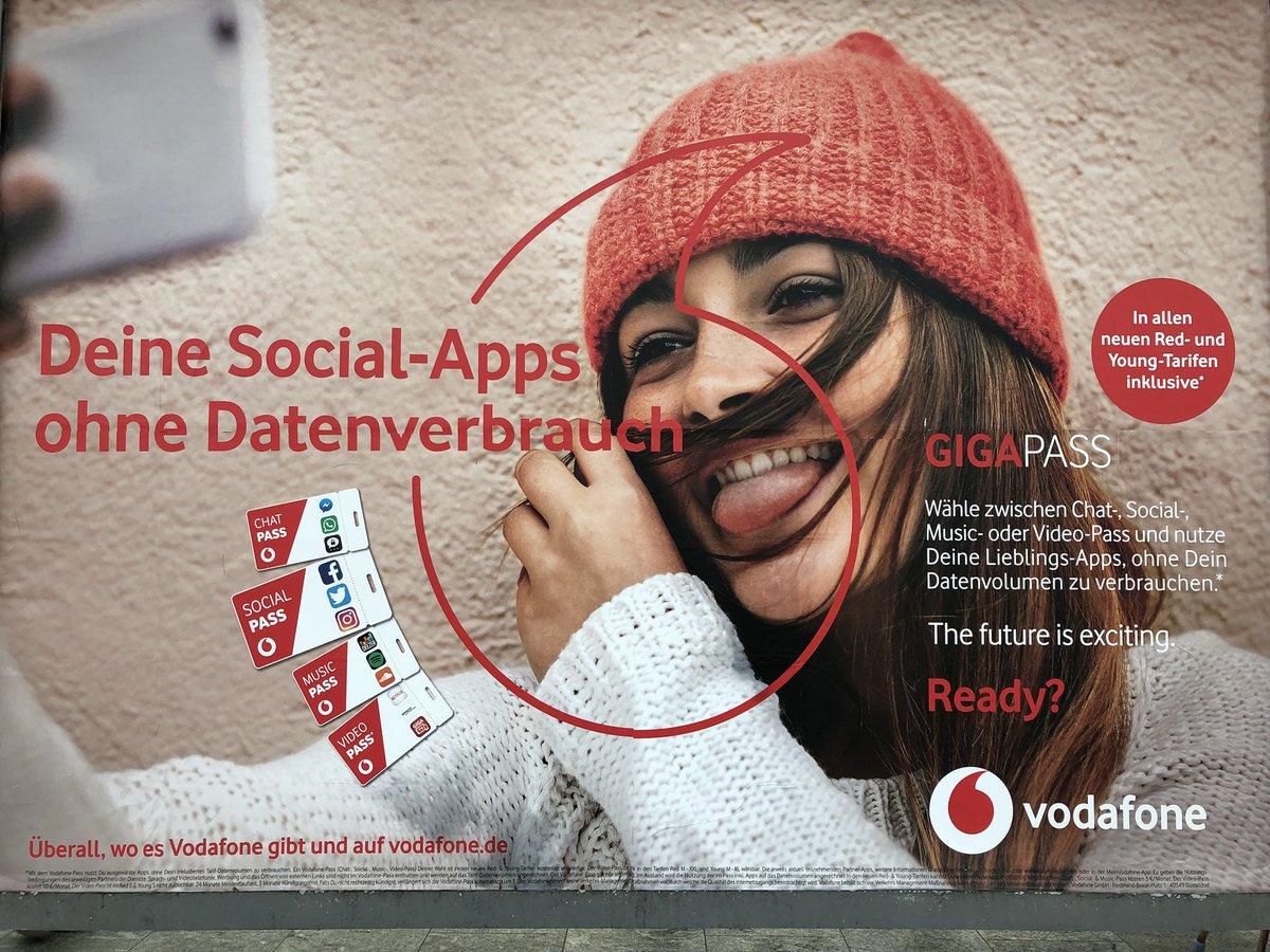 """Netzneutralität: """"Vodafone Pass"""" ist genau das, wovor wir immer gewarnt haben.  https://t.co/XXs6GPmB9s https://t.co/WDV5bx9uSa"""