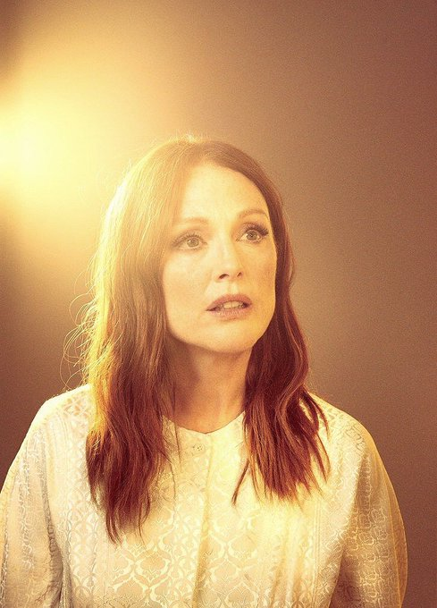 Happy Birthday to Julianne Moore.