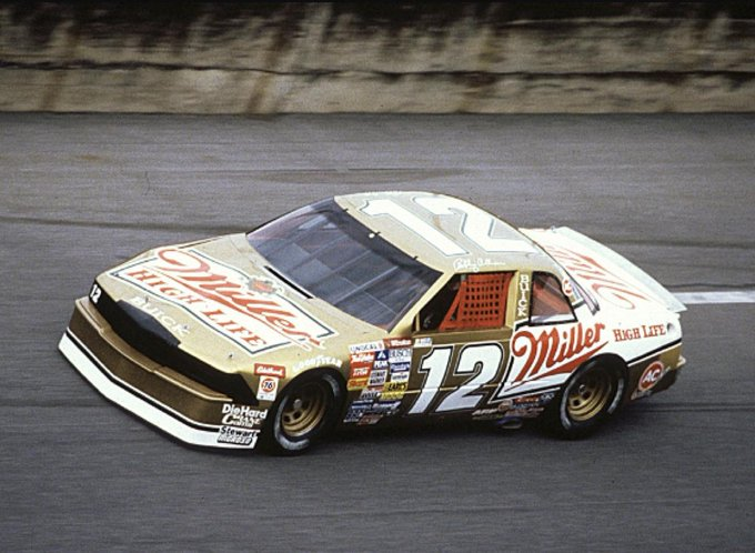 Happy 80th birthday to NASCAR Hall Of Fame legend Bobby Allison!