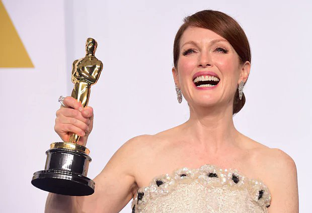 My aesthetic is Julianne Moore holding awards. Happy Birthday to my favorite actress in the world!