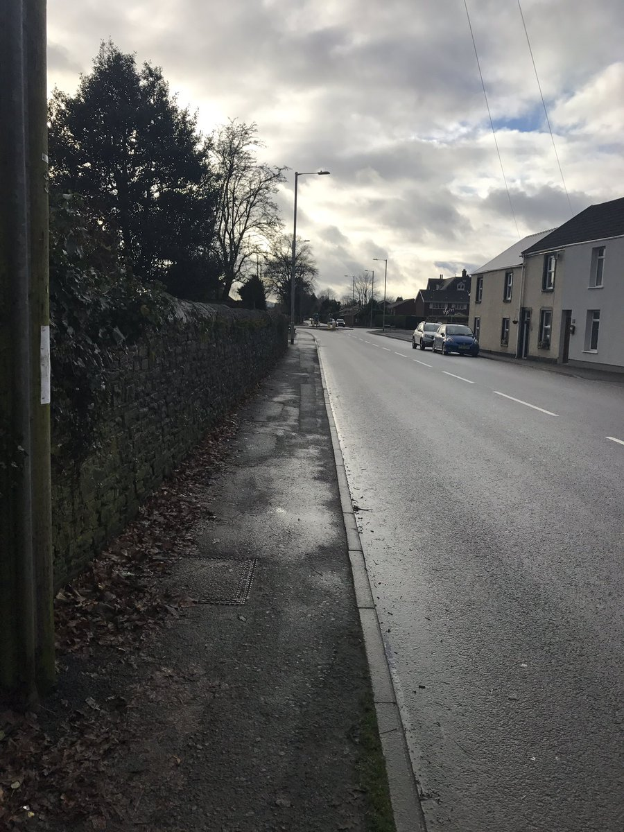 PCSO Jones has been foot patrolling the Cadoxton area of Neath. Another speeding operation to be conducted in the coming days #aj #visiblepatrol<br>http://pic.twitter.com/9VFDekvvRj