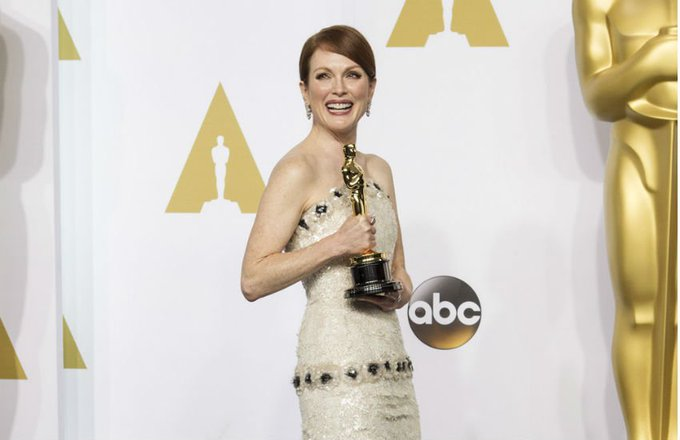Happy birthday Julianne Moore! Here\s 7 reasons why she is a gay icon