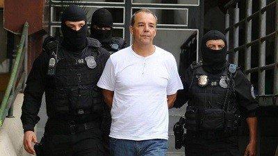 Vascaíno doente, Sérgio Cabral dorme em penitenciária ao som de 'Mengo!' da comunidade vizinha: https://t.co/AzbmkrWoHo