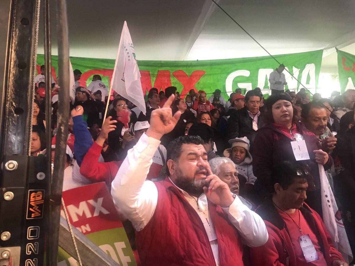 Dip. @IBetanzosMTDF, así se vive la espera del registro de nuestro candidato @JoseAMeadeK  rumbo a la victoria a la Presidencia este 2018. Que no quede duda tenemos al mejor candidato para tener un País de 1er. Mundo @MT_Nacional,@MT_CDMX  @LorenaMartinez @cgt1968 @TonatiuhGCase