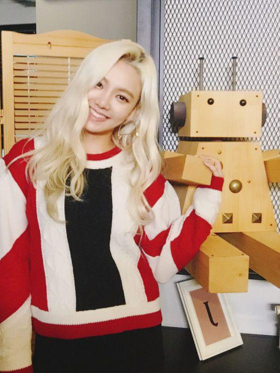 #HYOYEON on tvN '나의 영어 사춘기' first episode will air on December 4th at 8:10PM (KST) !  #GirlsGeneration