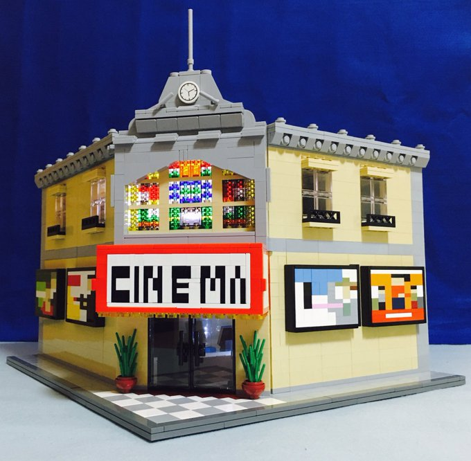 レゴで映画館つくりました。スマホを入れたら、どんな動画でも映画みたいに楽しめます!