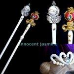 原作版ネオ・クイーン・セレニティ女王なので優雅に仕上げたく、輪っか部分は刺繍で表現しました刺繍糸5種…