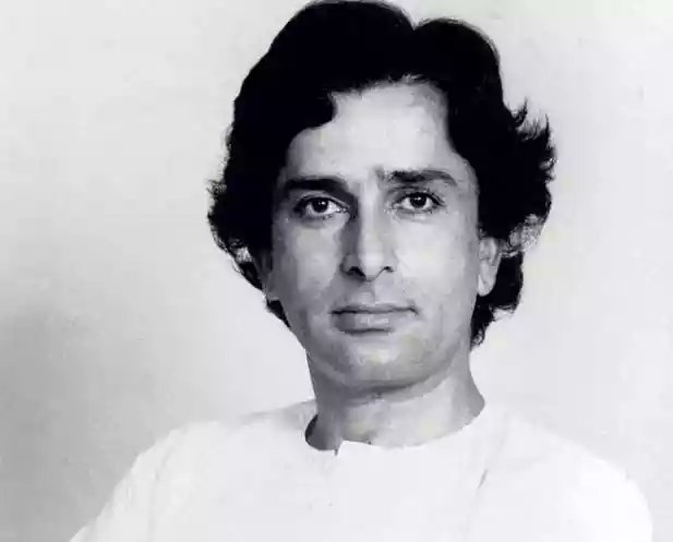 #ShashiKapoor takes his last breath - Indian Cinema loses another Legend