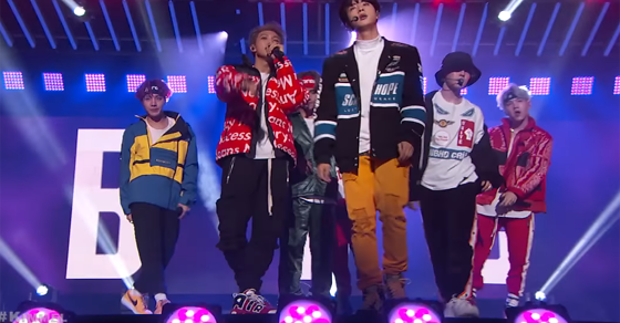 Watch @BTS_twt Make the #MicDrop on @JimmyKimmelLive! #BTSARMY  @bts_bighit https://t.co/9fDn7eBNfV