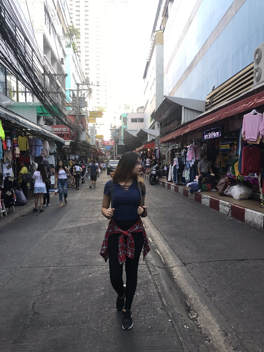 test Twitter Media - Can I have a week in Bangkok please... 4days is not enough to explore all of the night markets and shopping mall here :( https://t.co/ZvVc4boHB0