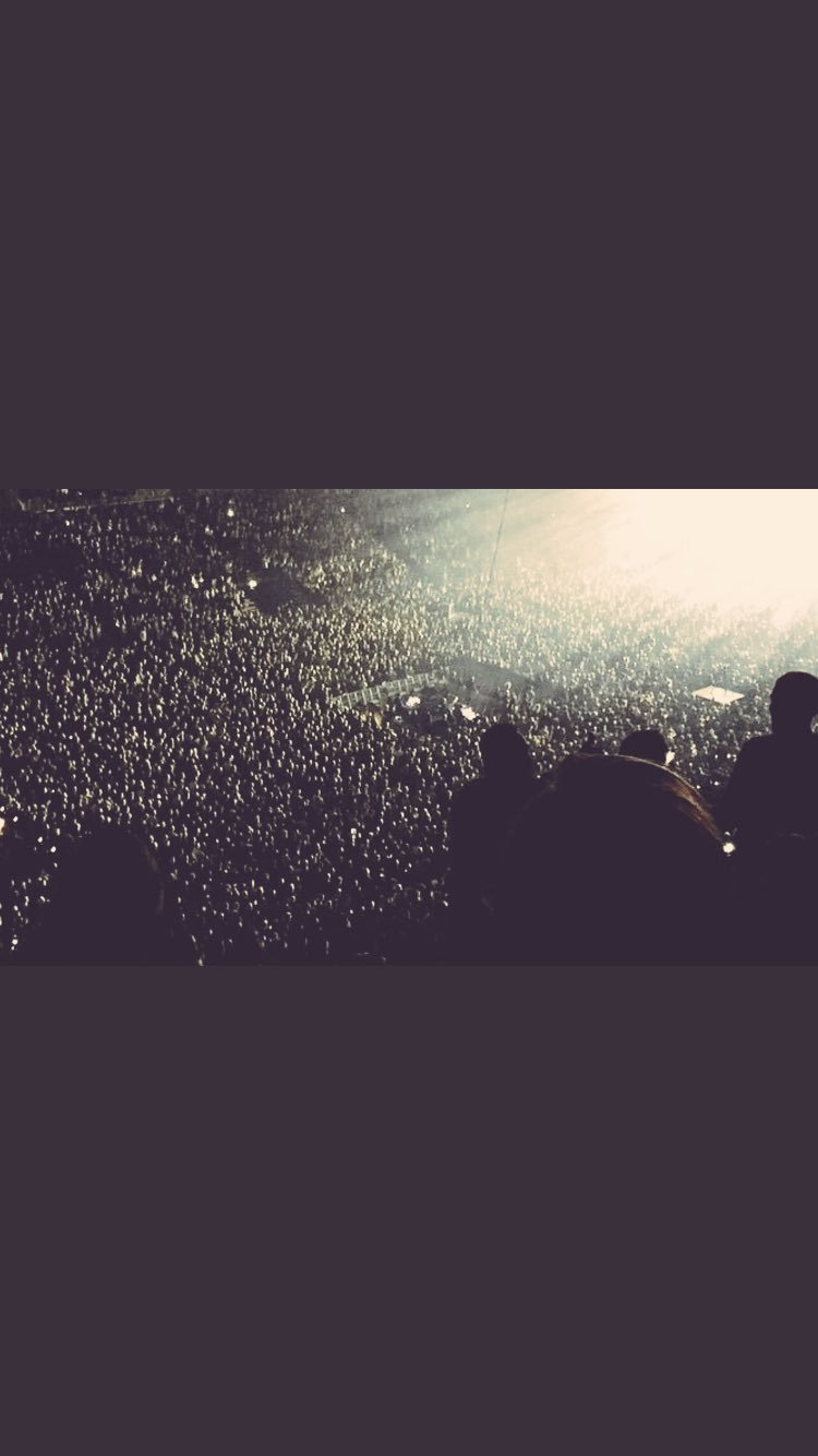 Still buzzing from the amazing crowd at Leeds @fdarena Berlin next!  #HumanityWorldTour Coming to @Netflix 2018. https://t.co/97tLK7XCtv